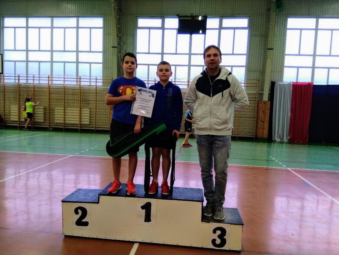 Awans chłopców z Werbkowic do finałów Wojewódzkich Drużynowego Badmintona w zawodach SZS